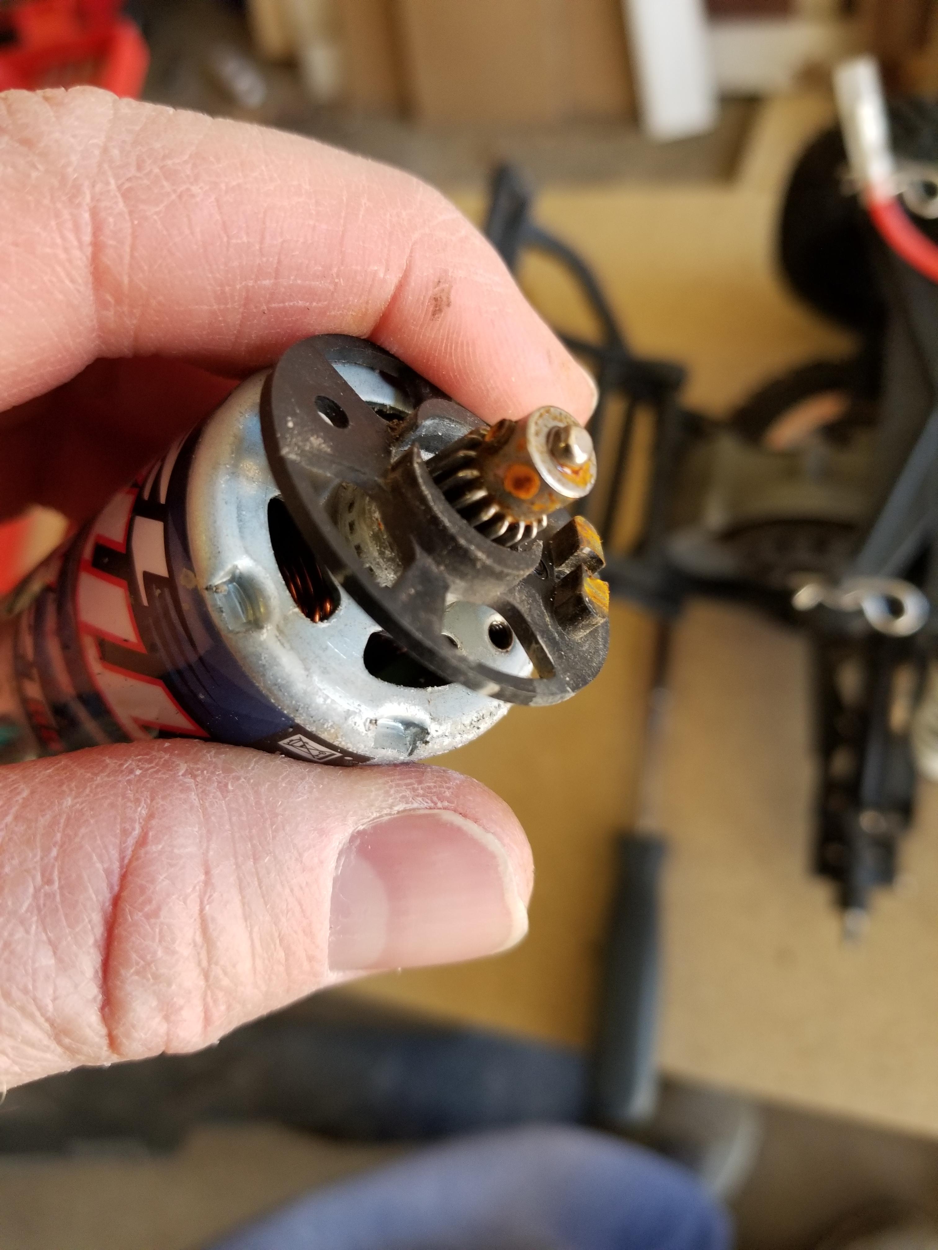 Motor mount plate for a Traxxas Slash