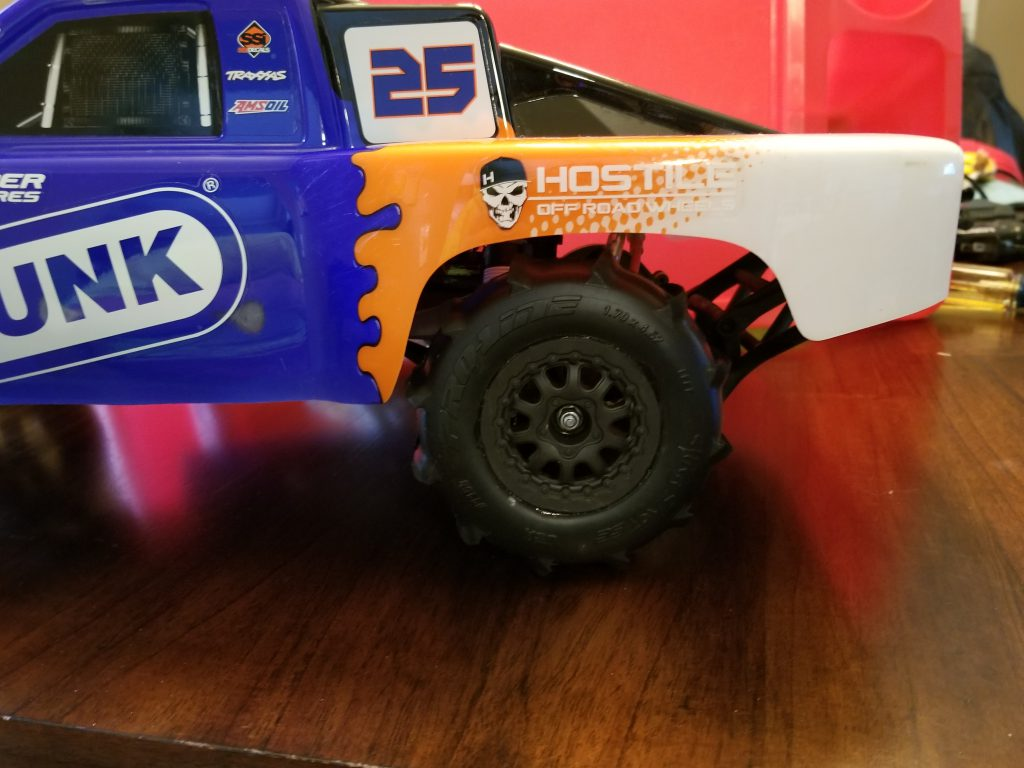 How Proline paddle tires look on a Traxxas Slash
