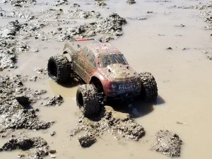 Redcat Racing Volcano EPX in the mud